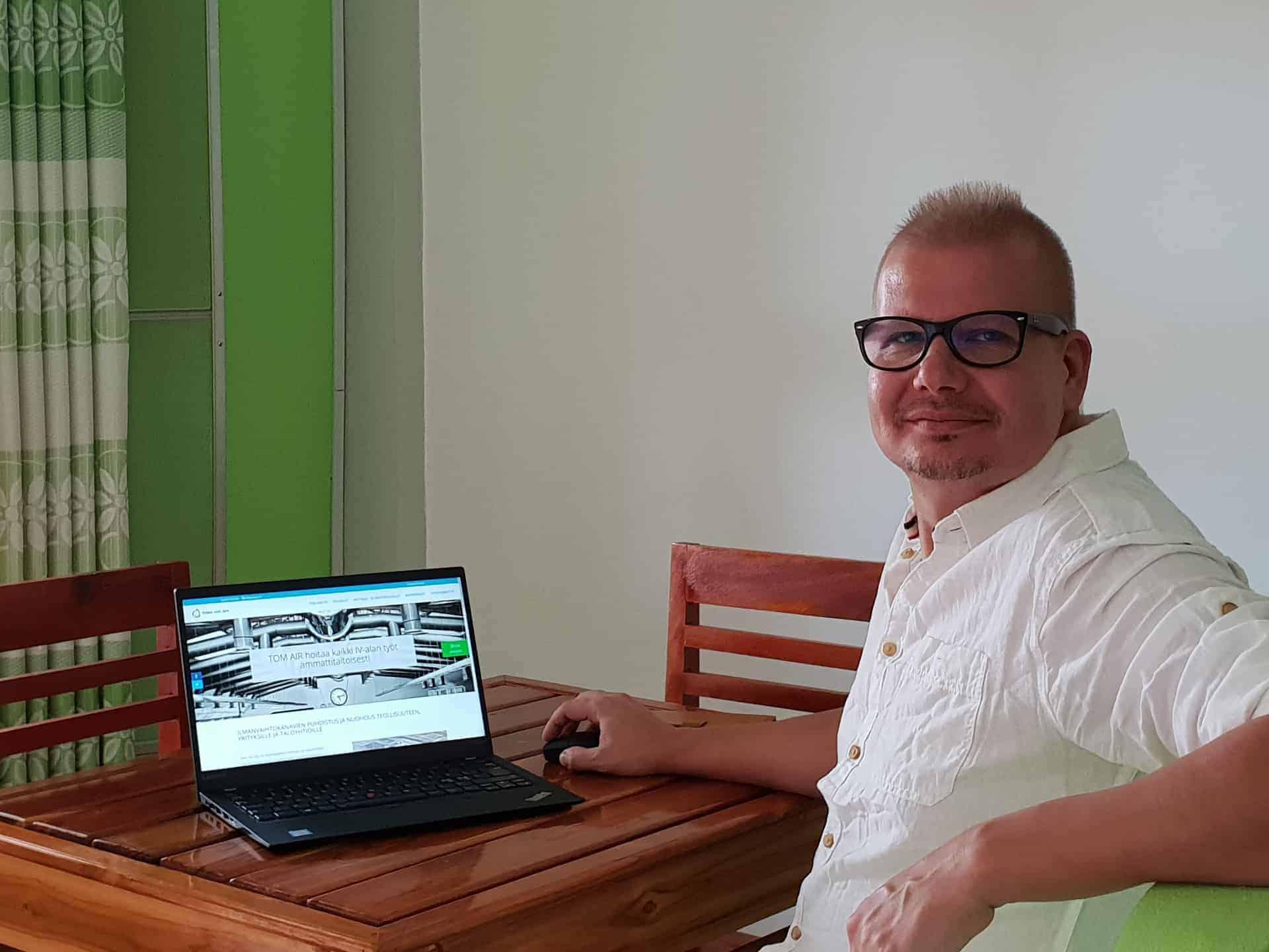 Yrityskotisivut ja nettisivut WordPress, Avosorsa, sisällöntuottaja ja visuaalinen ilme.